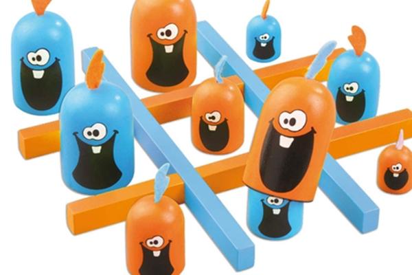 頭を使うゲーム「ゴブレットゴブラーズ」の画像